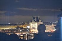 Clin d'oeil sur le Louvre en face !